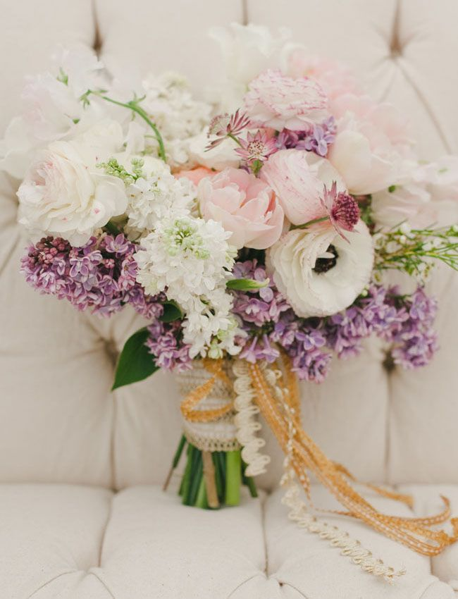 bridalidol_beautiful_spring_wedding_bouquets_10