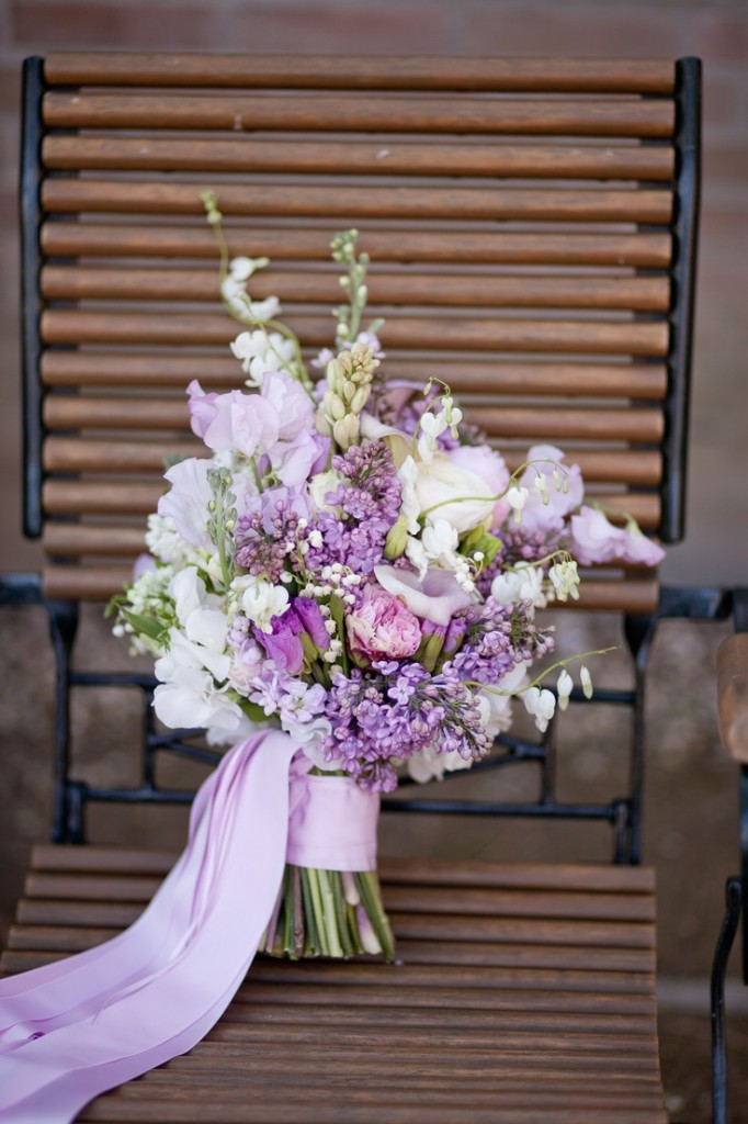 bridalidol_beautiful_spring_wedding_bouquets_11