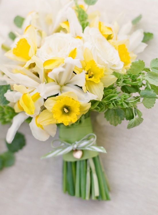 bridalidol_beautiful_spring_wedding_bouquets_14