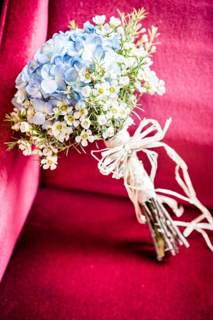 bridalidol_beautiful_spring_wedding_bouquets_15