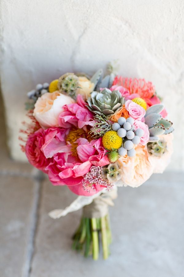 bridalidol_beautiful_spring_wedding_bouquets_2