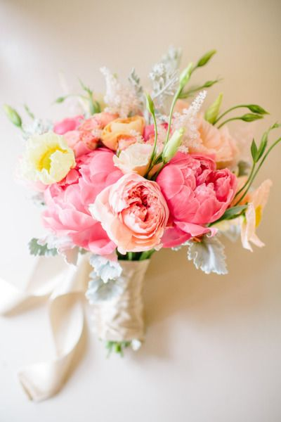 bridalidol_beautiful_spring_wedding_bouquets_7