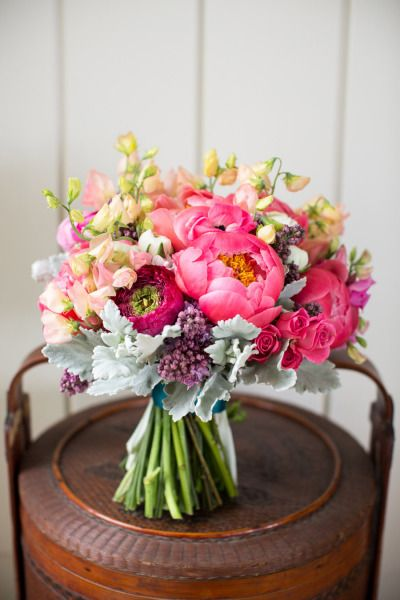 bridalidol_beautiful_spring_wedding_bouquets_9