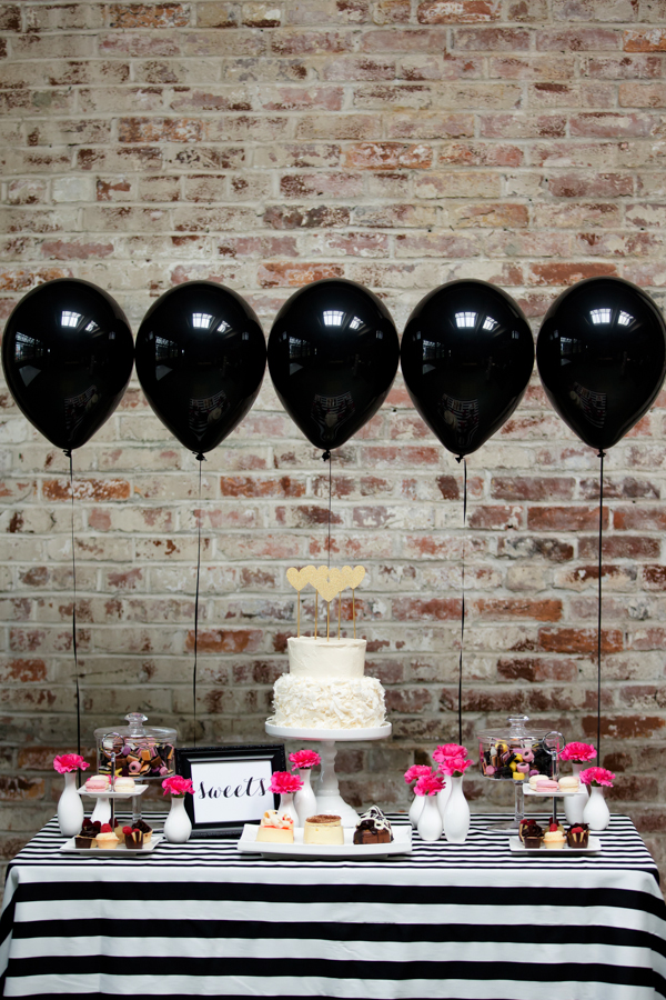 bridalidol_top_trends_for_2015_bridal_shower_party_with_baloons_6