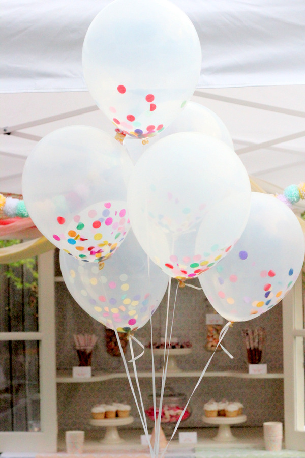 bridalidol_top_trends_for_2015_bridal_shower_party_with_baloons_7