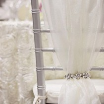 bridalidol_8_interesting_and_eazy_ideas_how_to_decorate_your_wedding_chairs_fabric