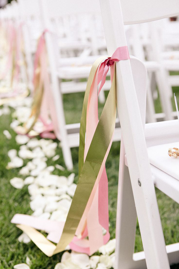 bridalidol_8_interesting_and_eazy_ideas_how_to_decorate_your_wedding_chairs_ribbon