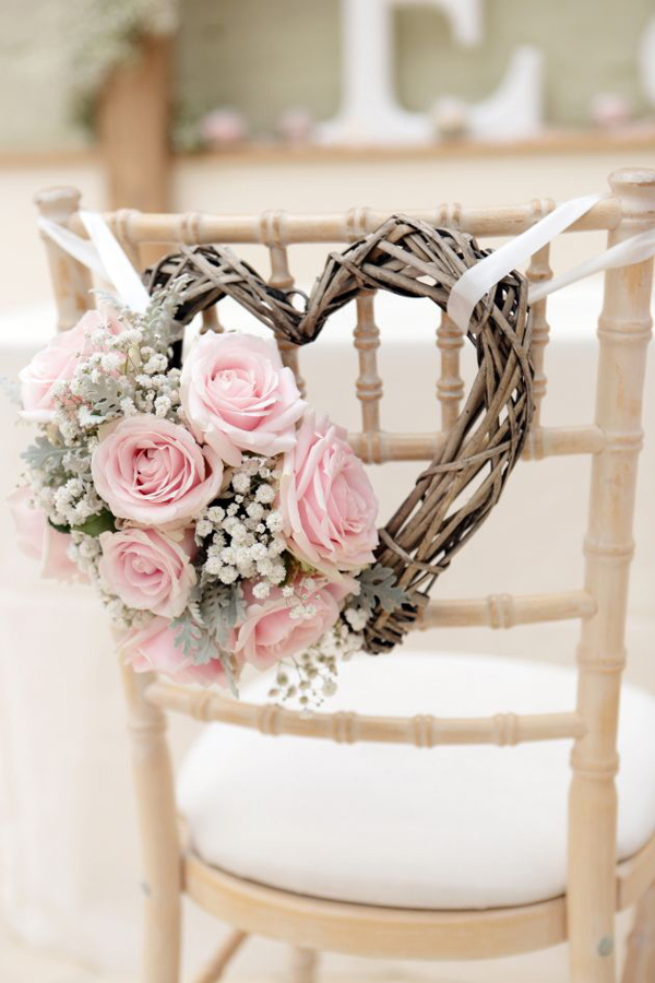 bridalidol_8_interesting_and_eazy_ideas_how_to_decorate_your_wedding_chairs_wreath