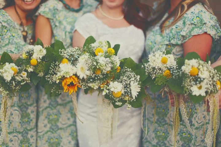 bridalidol_5_funny_alternatives_to_the_traditional_throwing_the_bouquet