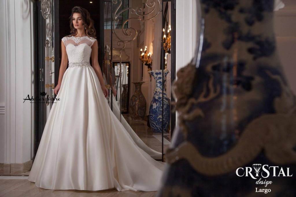 bridalidol_top_trends_for_wedding_dresses_2016_cap_sleeves.jpg