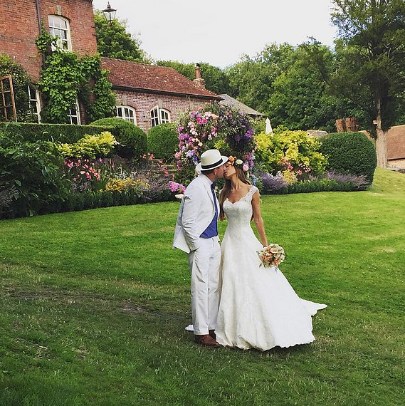 bridalidol_the_most_memorable_celebrity_weddings_for_2015_Guy-Ritchie-Jacqui-Ainsley